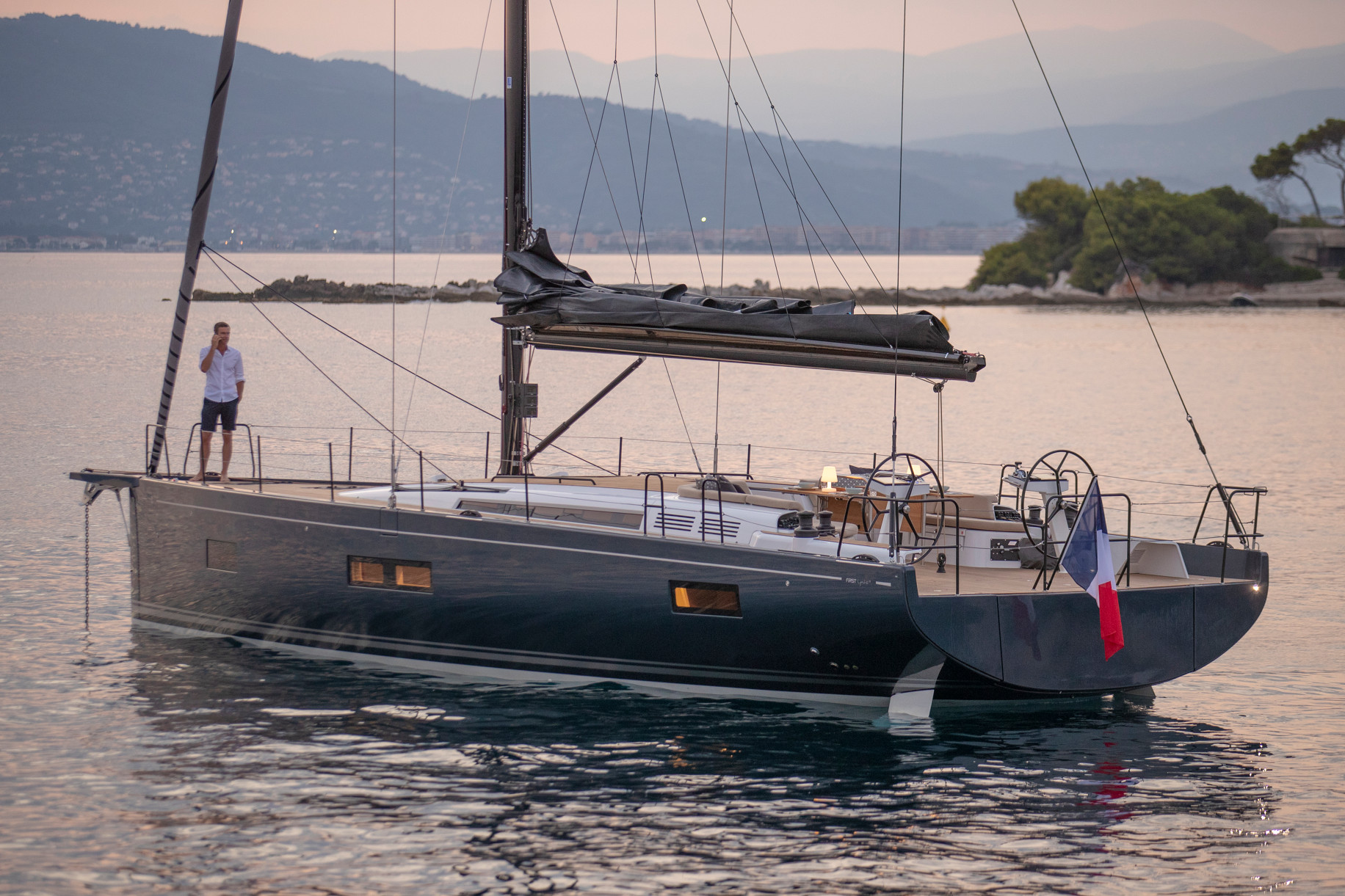 First Yacht 53-thumb-11