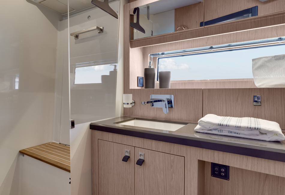Oceanis Yacht 62-thumb-12