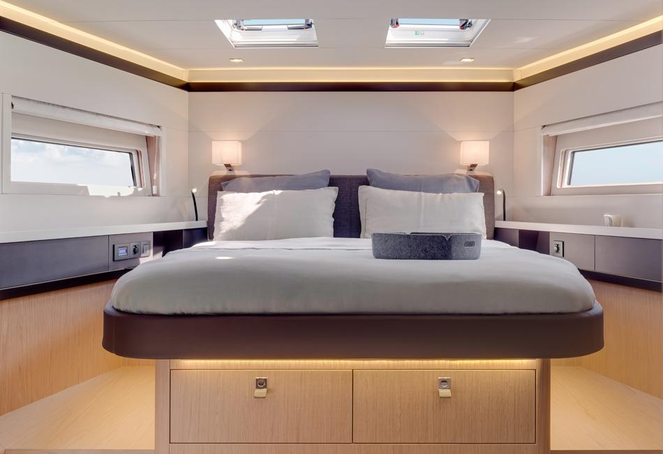 Oceanis Yacht 62-thumb-1