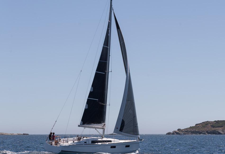 Oceanis 38.1-thumb-2
